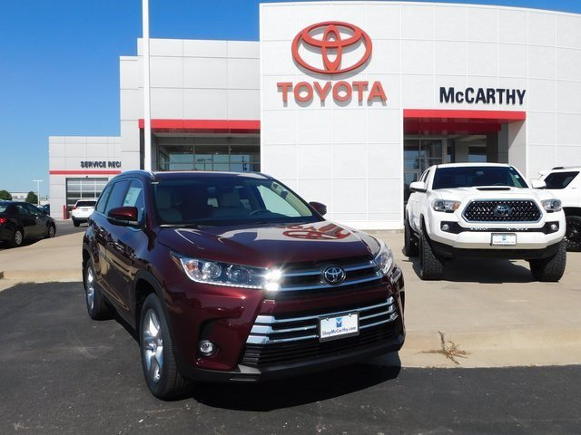 New 2019 Toyota Highlander in Sedalia, MO