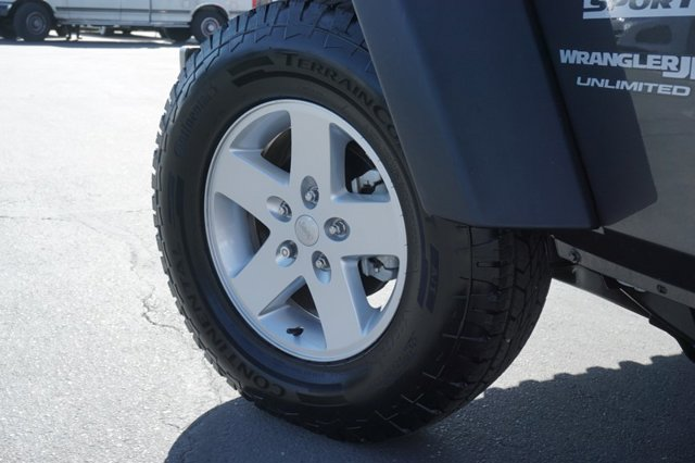 Used 2018 Jeep Wrangler unlimited Sport S 4x4
