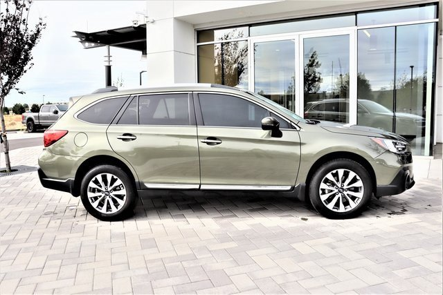 2018 Subaru Outback Touring 3.6R Touring Regular Unleaded H-6 3.6 L/222 [2]
