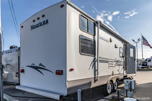 Used 2001 KEYSTONE MONTANA in St. Louis, MO