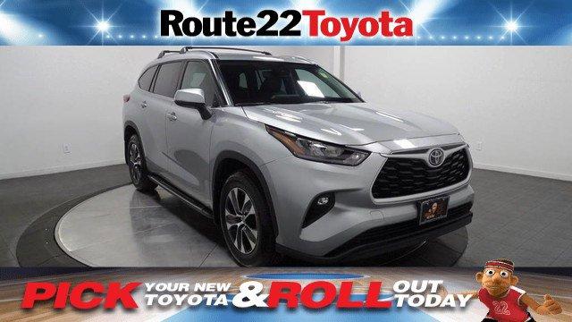 New 2020 Toyota Highlander in Hillside, NJ
