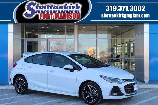 New 2019 Chevrolet Cruze in Fort Madison, IA