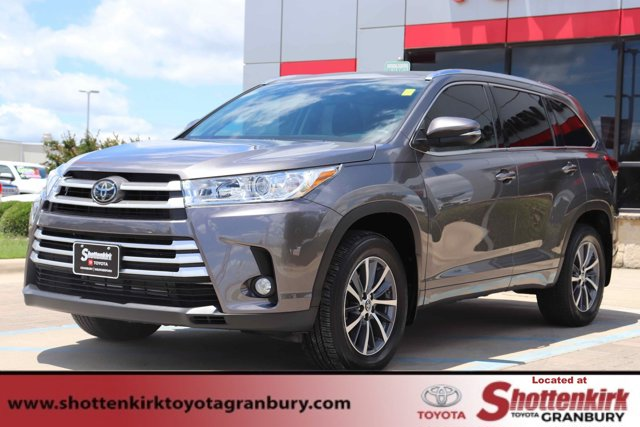 Used 2018 Toyota Highlander in Granbury, TX