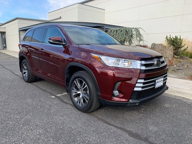 Used 2018 Toyota Highlander in Pasco, WA
