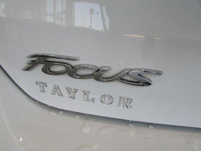 2018 Ford Focus SE photo