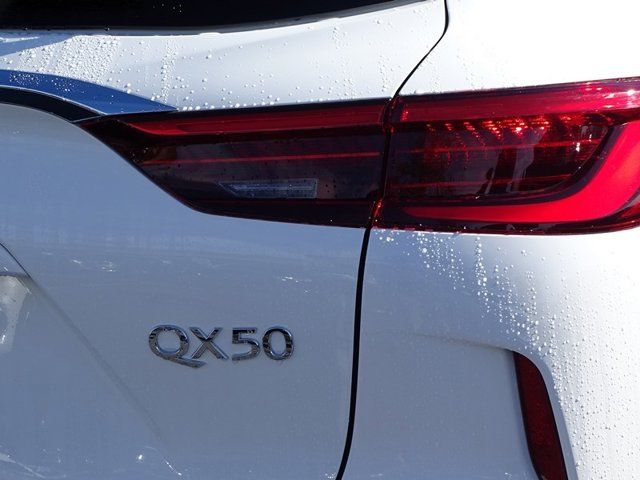 New 2019 Infiniti QX50 LUXE FWD