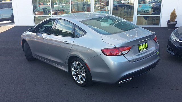 Used 2015 Chrysler 200 4dr Sdn S AWD