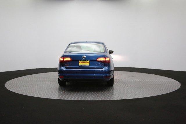 2017 Volkswagen Jetta for sale 124242 33