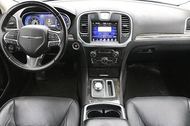 2016 Chrysler 300 300C 13