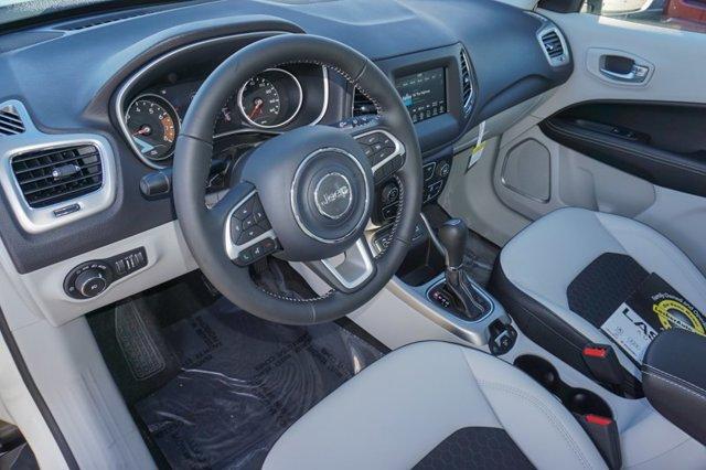 Used 2018 Jeep Compass Latitude w-Sun-Wheel Pkg FWD