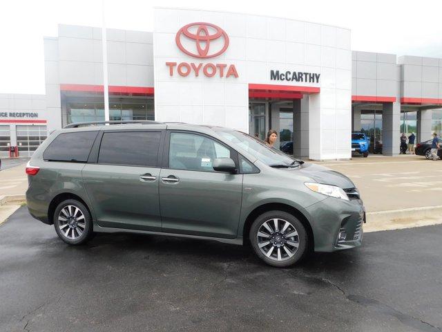 New 2019 Toyota Sienna in Sedalia, MO
