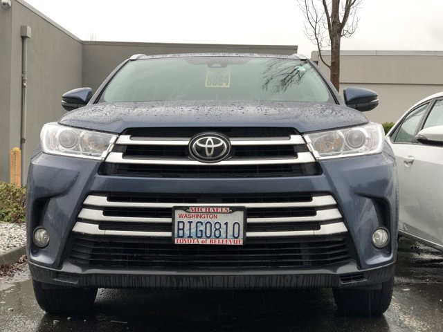Used 2017 Toyota Highlander SE