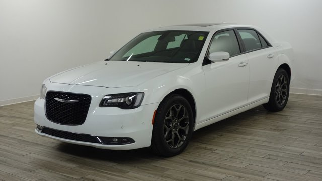 Used 2017 Chrysler 300 in St. Louis, MO