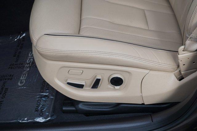 Used 2016 Hyundai Genesis 4dr Sdn V6 3.8L AWD