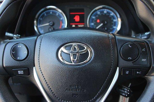 2018 Toyota Corolla LE 28