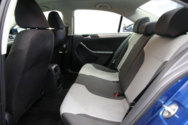 2017 Volkswagen Jetta for sale 124242 19
