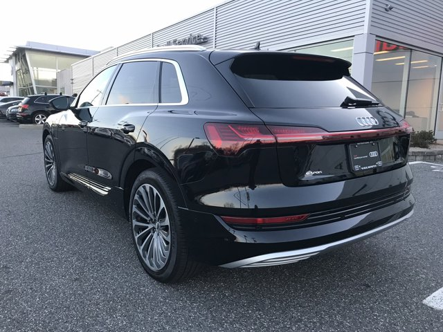 2019 Audi e-tron PRESTIGE photo