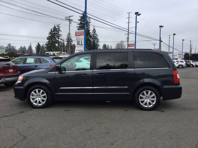 Used 2014 Chrysler Town and Country 4dr Wgn Touring