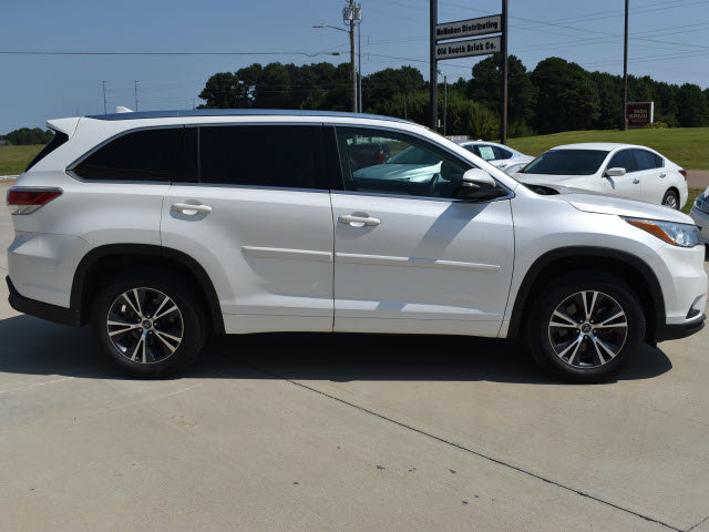 Used 2016 Toyota Highlander in Grenada, MS