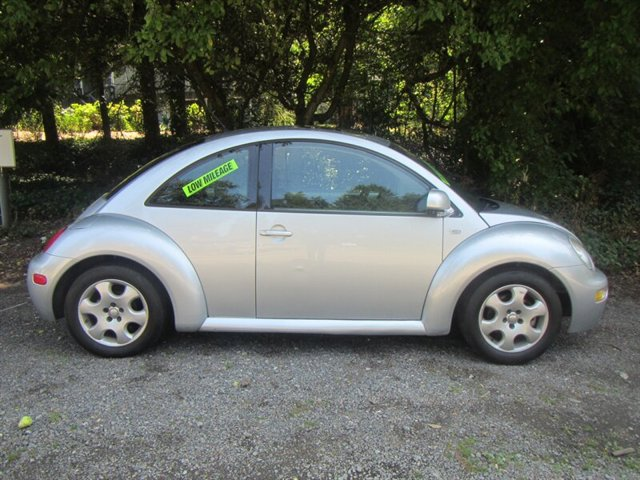 Used 2002 Volkswagen New Beetle 2dr Cpe GLS Manual