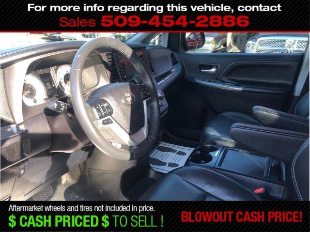 Used 2018 Toyota Sienna SE Minivan 4D