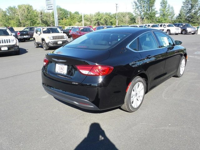 2016 Chrysler 200 4dr Sdn Touring FWD