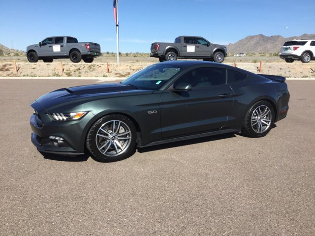 2015 Ford Mustang 2dr Fastback GT photo