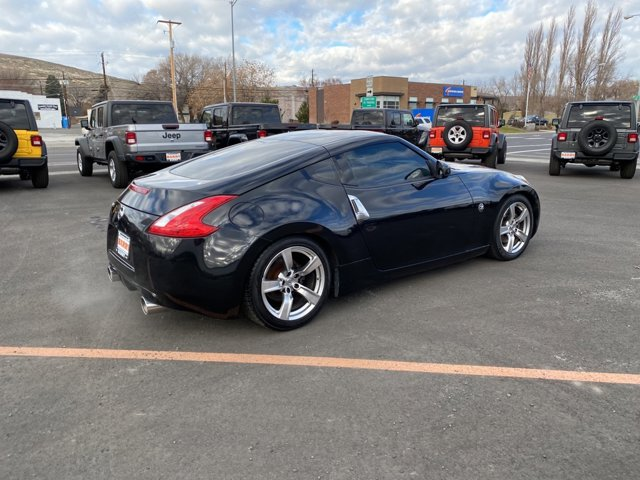 Used 2009 Nissan 370Z 2dr Cpe Auto