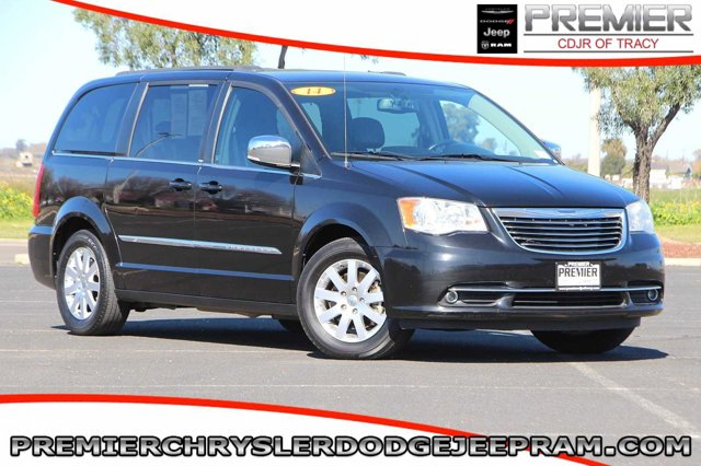 Used 2014 Chrysler Town & Country in Tracy, CA