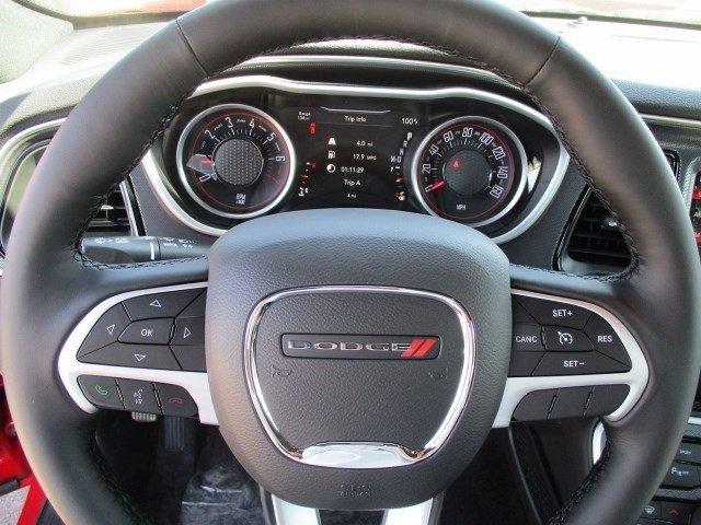 New 2016 Dodge Challenger 2dr Cpe SXT