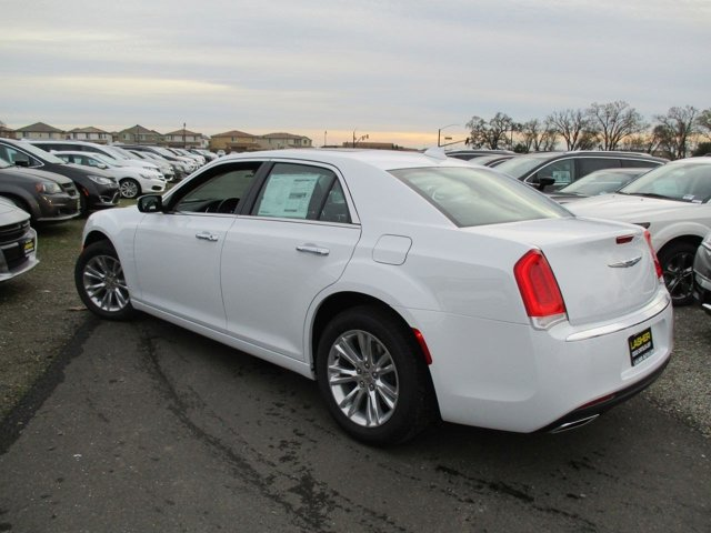 New 2017 Chrysler 300 300C RWD