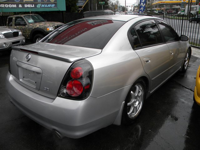Used 2005 Nissan Altima 4dr Sdn V6 Auto 3.5 SE-R