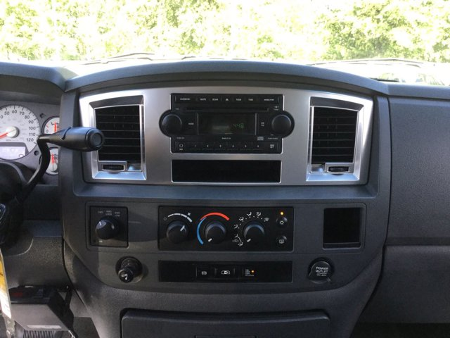 Used 2009 Dodge Ram 2500 4WD Quad Cab 140.5 SLT