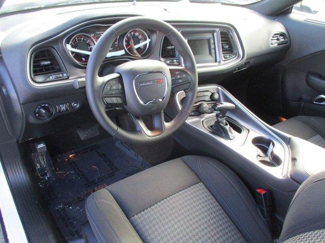 New 2017 Dodge Challenger SXT Coupe