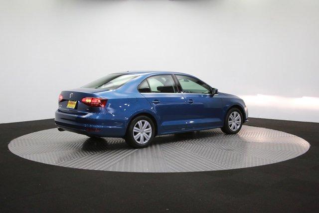 2017 Volkswagen Jetta for sale 124242 37