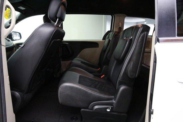 2018 Dodge Grand Caravan for sale 122175 18