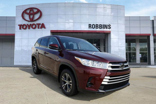 New 2019 Toyota Highlander in Nash, TX