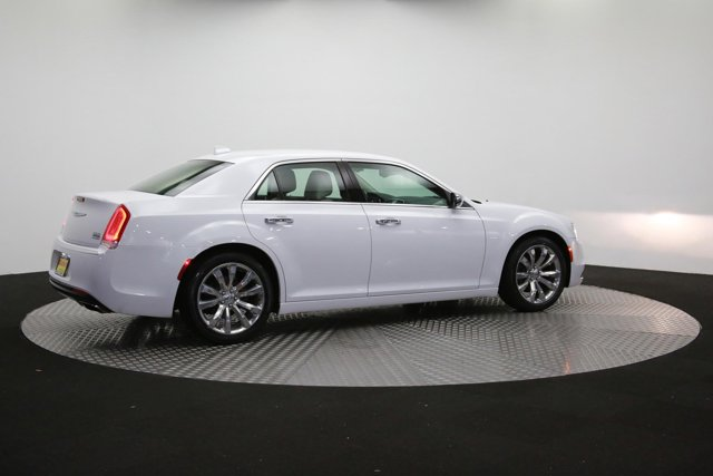 2019 Chrysler 300 for sale 122416 37
