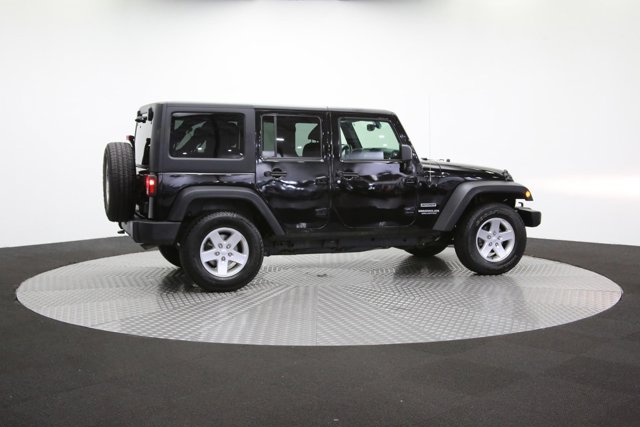 2016 Jeep Wrangler Unlimited 124726 38