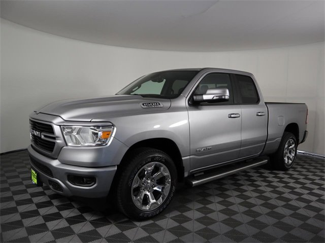 2020 Ram 1500 Lone Star Lone Star 4x2 Quad Cab 6'4″ Box Regular Unleaded V-8 5.7 L/345 [14]