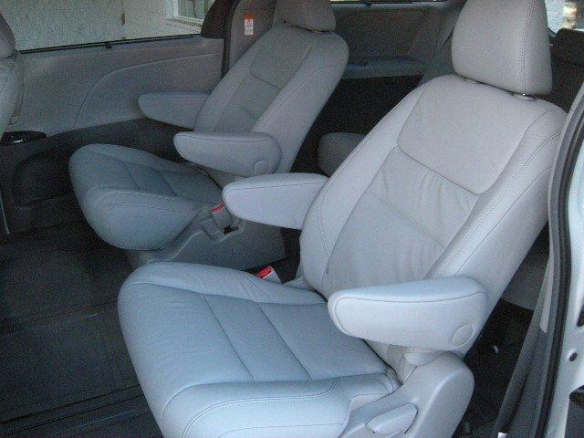 New 2017 Toyota Sienna XLE AWD 7-Passenger