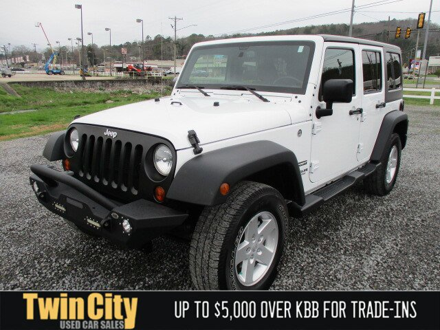 Used 2017 Jeep Wrangler Unlimited in Fort Payne, AL