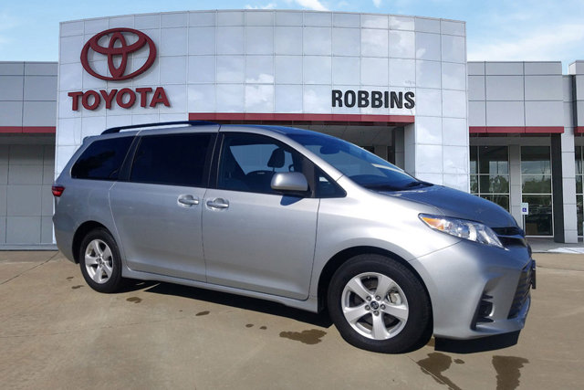 Used 2019 Toyota Sienna in Nash, TX