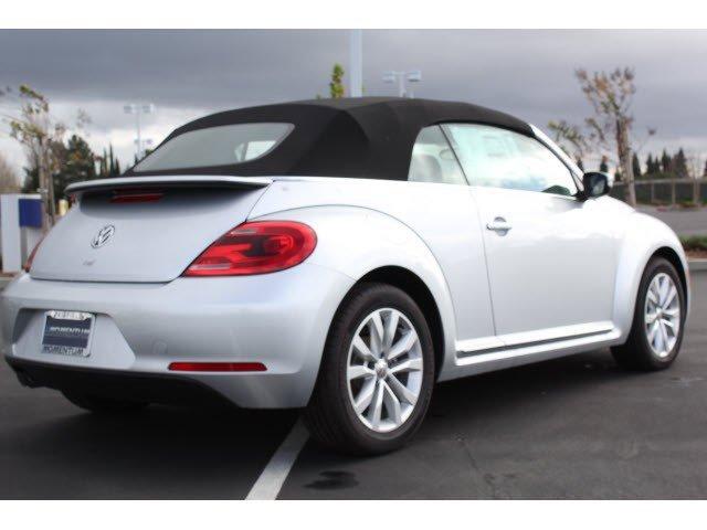 2014 Volkswagen Beetle Convertible 2.0L TDI w/Sound/Nav