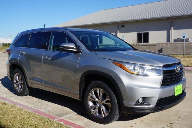 Used 2015 Toyota Highlander in Port Arthur, TX