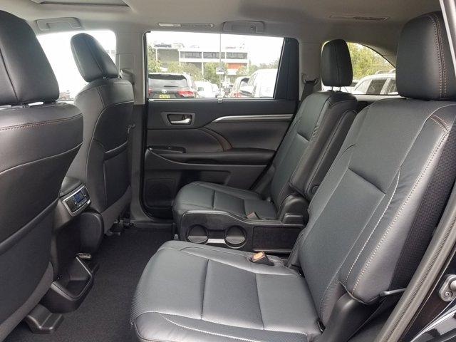 New 2019 Toyota Highlander Hybrid Limited V6 AWD