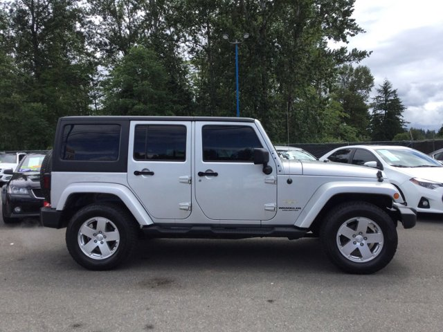 Used 2011 Jeep Wrangler Unlimited 4WD 4dr Sahara