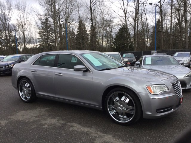 Used 2014 Chrysler 300 4dr Sdn RWD