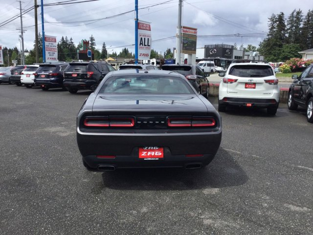 Used 2016 Dodge Challenger 2dr Cpe SXT