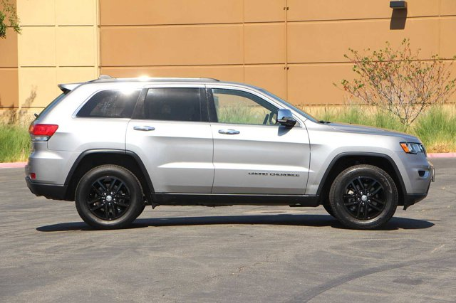 2018 Jeep Grand Cherokee Limited 3